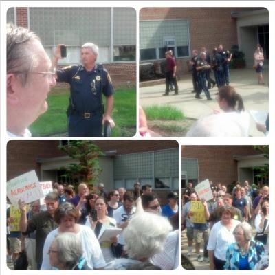 WMU faculty rally on September 5, 2014. (Photos by Larry J. Simon.)