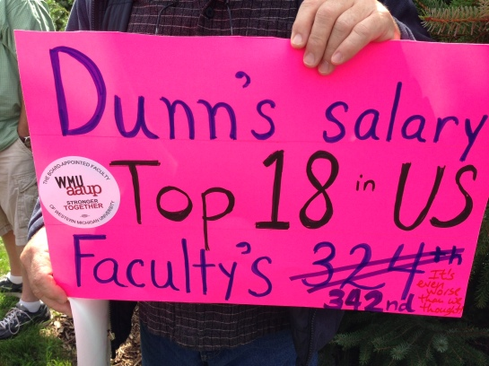 Faculty rally at WMU on September 1, 2014. (Photo by Mary-Louise Totton.)